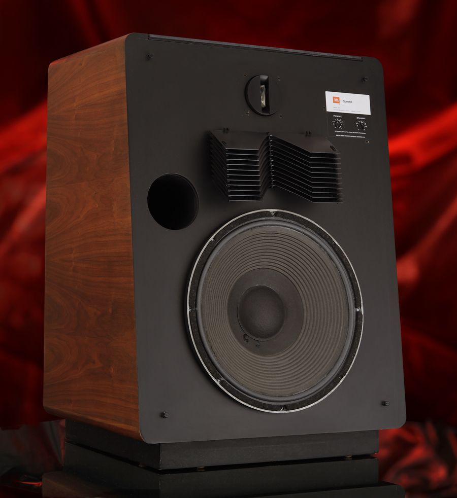 In 1975 To 1981 The L300 Summit Was Jbl S Flagship Speaker System Of The Modern Jbl Era And A Major Step Forward In Jbl S Imp Lautsprecher Hifi Plattenspieler