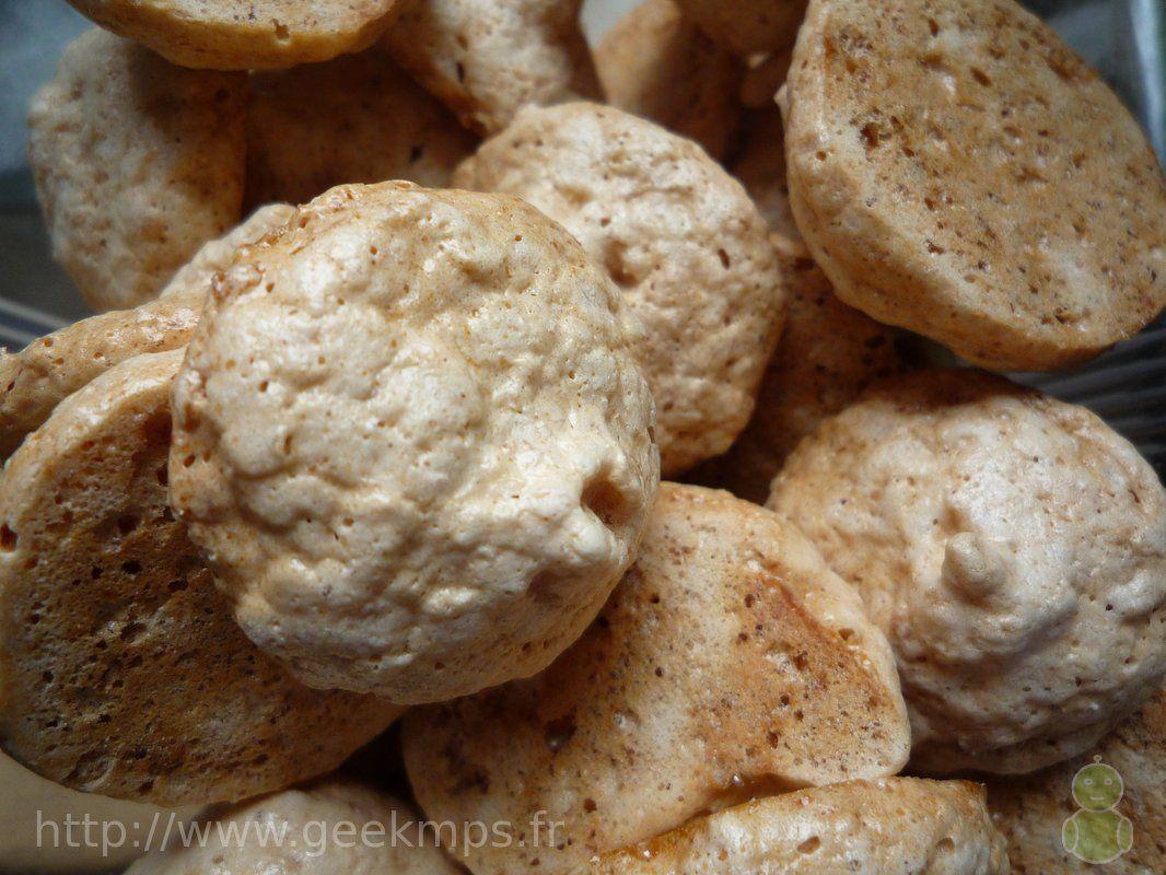 Les macarons à la noix de coco, une recette fraiche  http://geekmps.fr/recette-cuisine/569-les-macarons-a-la-noix-de-coco