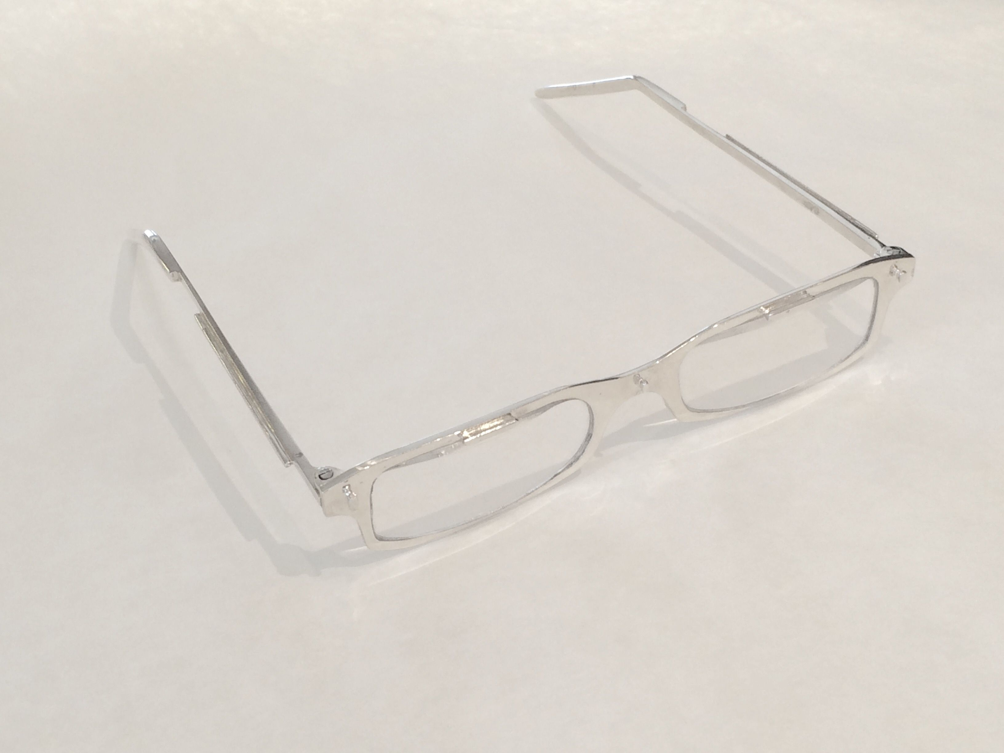The final prototype of the custom eye glasses.