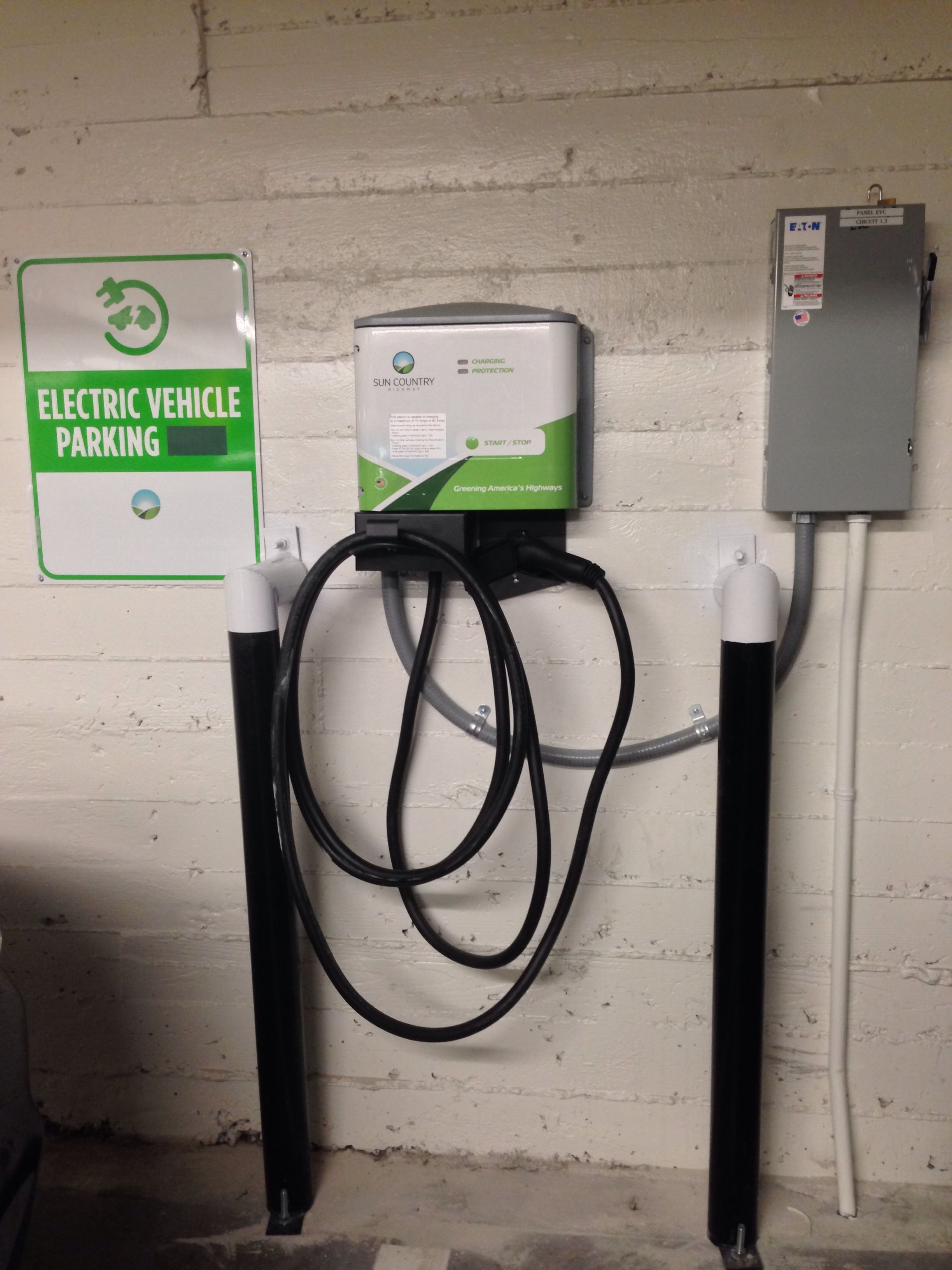 100 amp 208 volt tesla charging station clipper creek