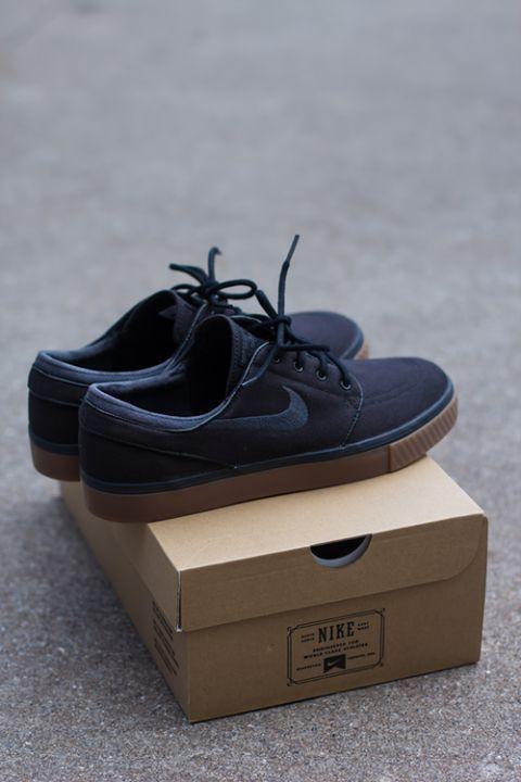vacante Sin personal Penetración  Nike SB Zoom Stefan Janoski Black, Anthracite, & Gum Canvas Shoes | Zumiez  | Nike shoes outlet, Nike free shoes, Mens fashion