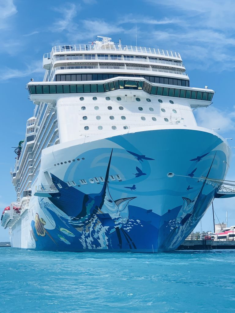 Guy Harvey Cruise Ship Mp Photo Cruise Ship Pictures Luxury Cruise Ship Cruise Ship