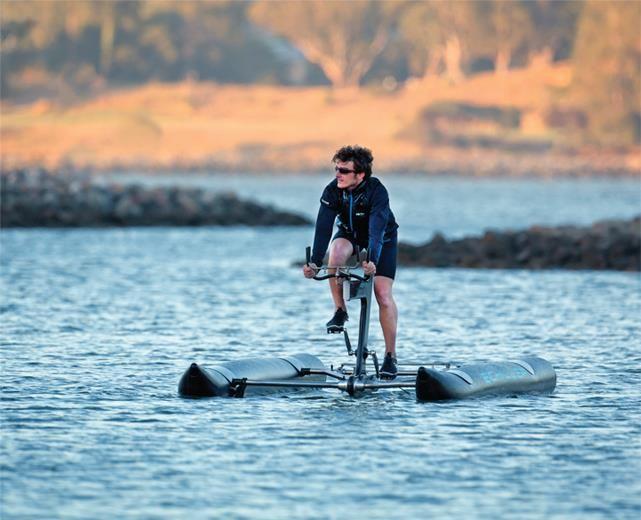 Esto es para esos aficionados que dormirían hasta con su bicicleta en la cama !!  Extraído de gonzoo.com