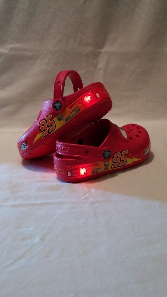 f2df7ca011ff5 Crocs Kids Light Up Disney Cars Clogs Little Boys Red Size 1 McQueen in  Clothing