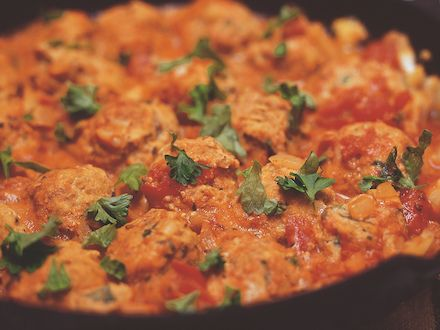 Spagettia ja broilerilihapullat - Reseptit - Yhteishyvä
