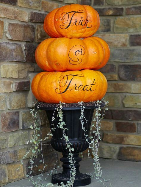 Pin by tina mantis on halloween Pinterest - when should you decorate for halloween