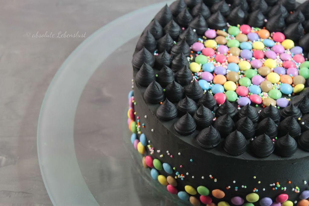Photo of Smarties Torte backen | Schwarze Torte ohne Fondant selber machen