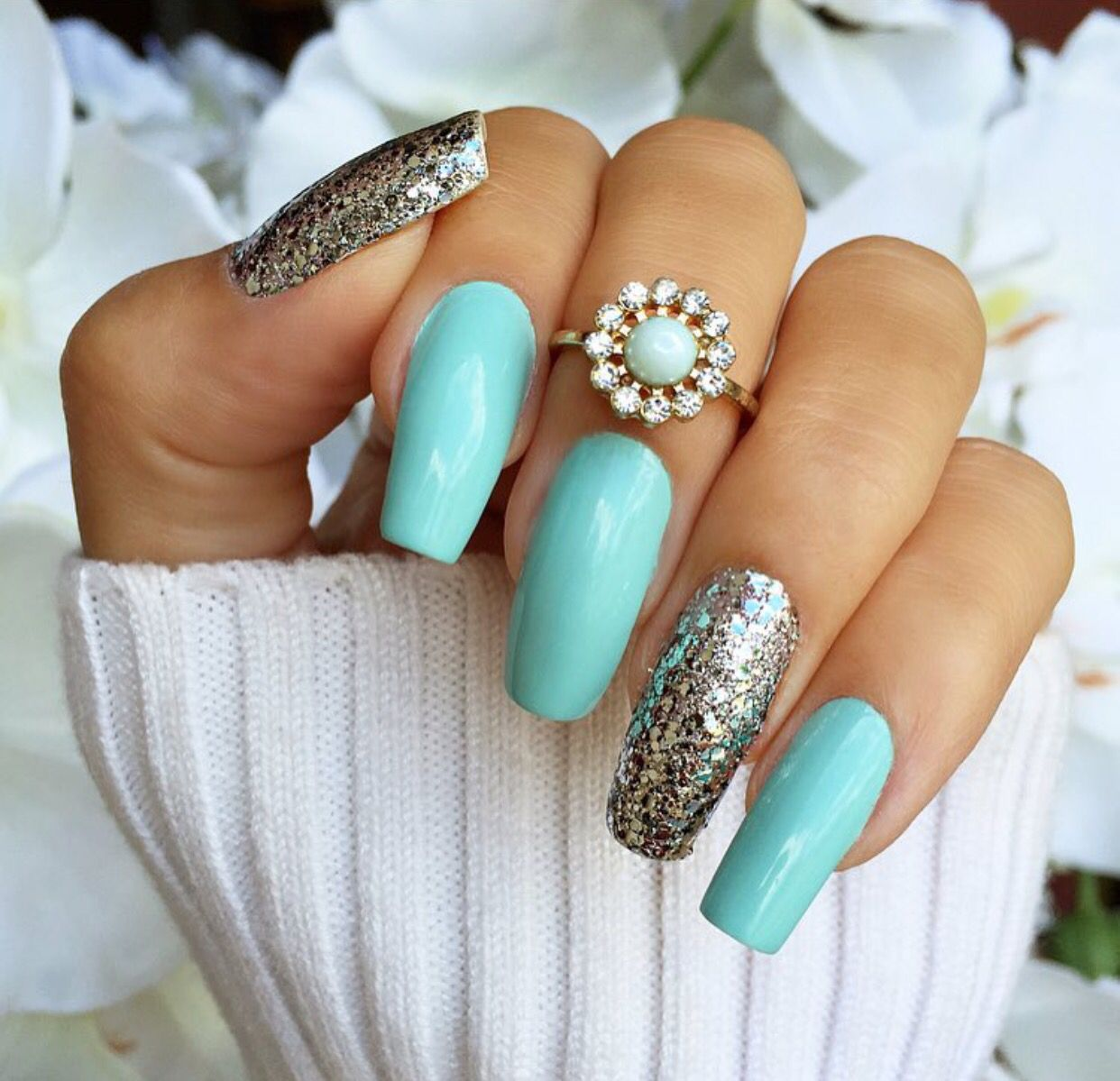 Turquoise glitter coffin nails | Beautiful nails! | Pinterest