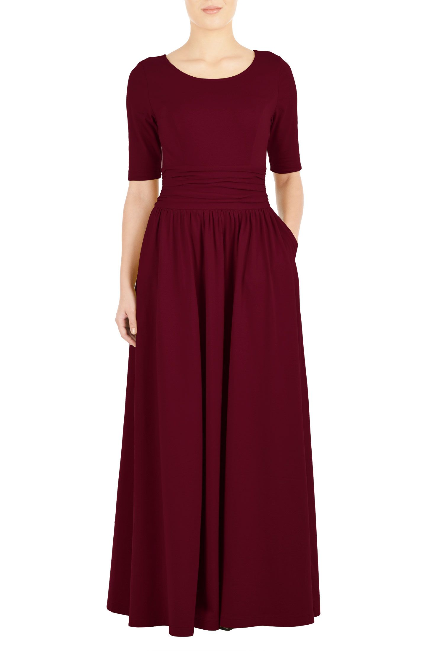 Our cotton jersey maxi dress gives you a long and lithe look in a