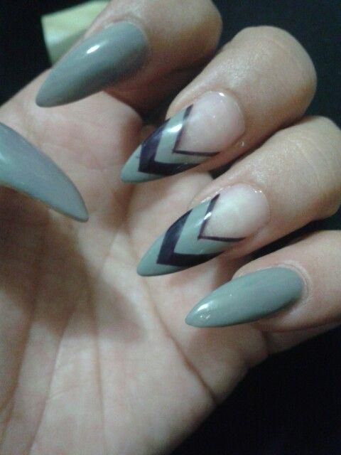 Love the design #stiletto #nails