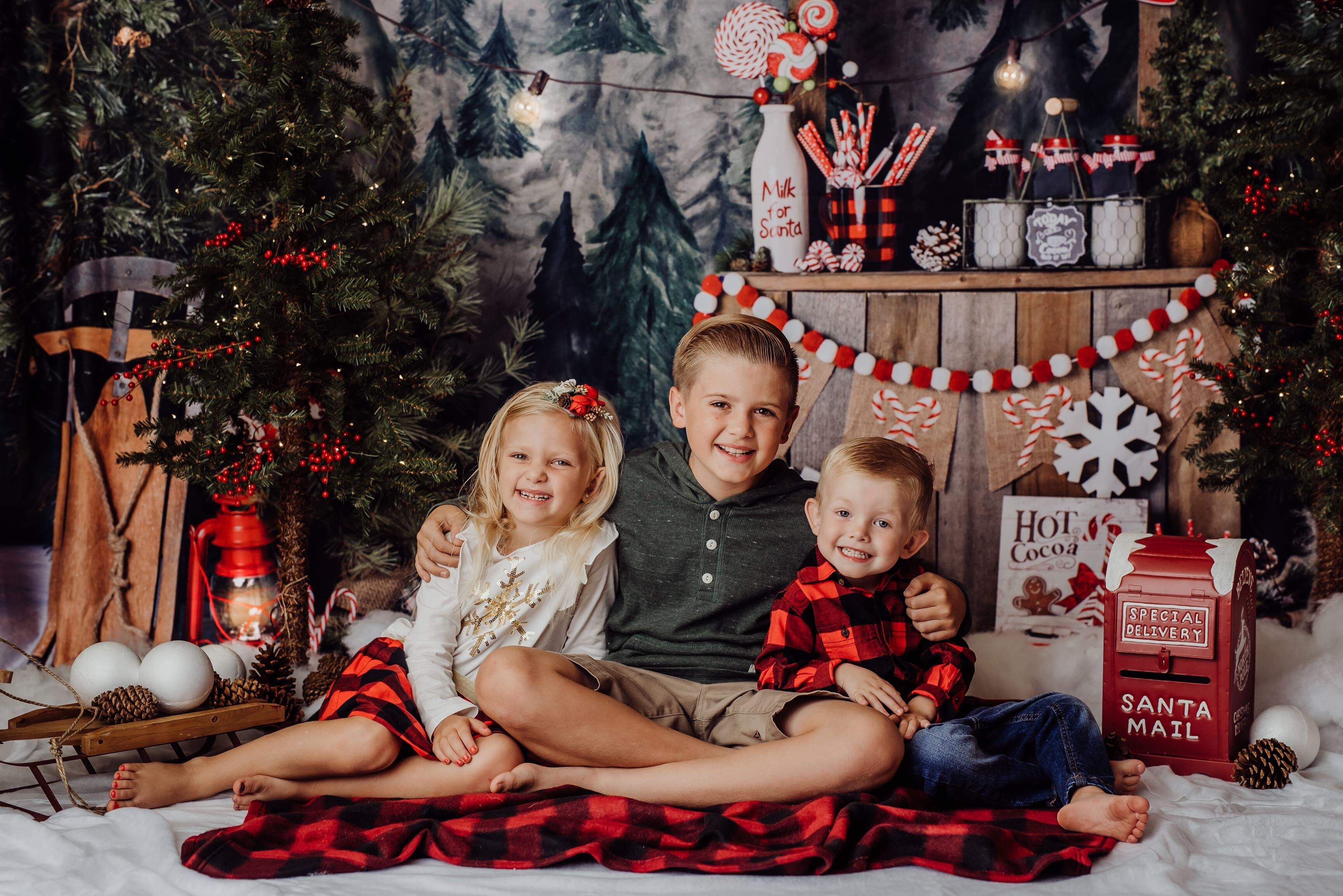 Indoor holiday mini session for Christmas cards! Oahu studio