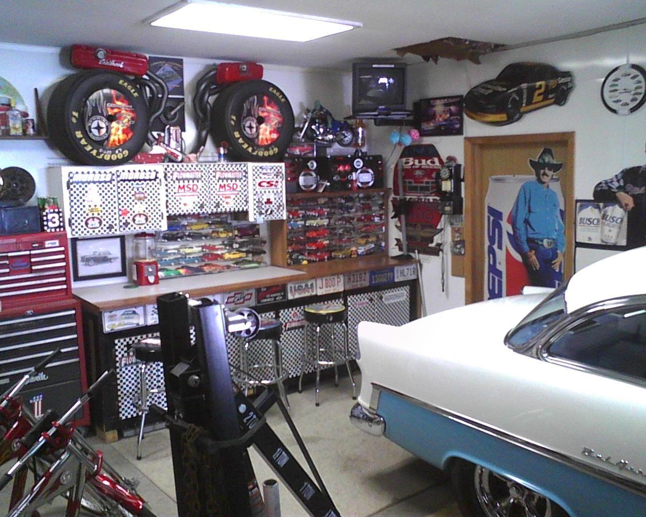 Retro Garage Man Cave Shop Interior Design Mechanic Garage