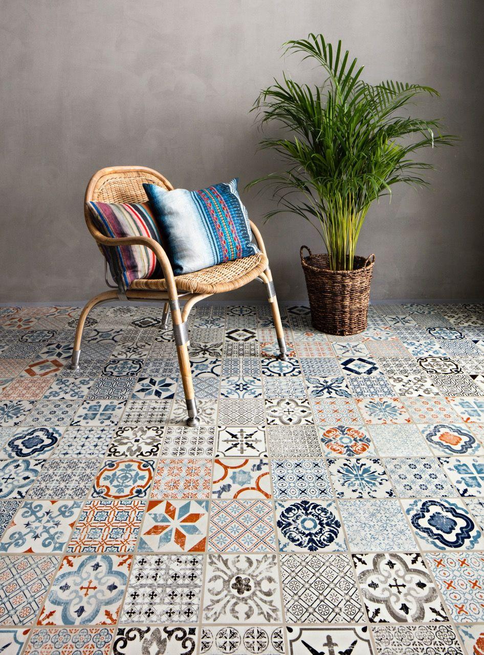 Mosaic Patterned click vinyl flooring from Tarkett