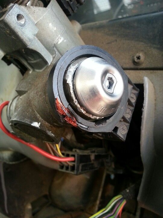 Don't try to bypass your Ford Transit immobiliser with a #5 hammer