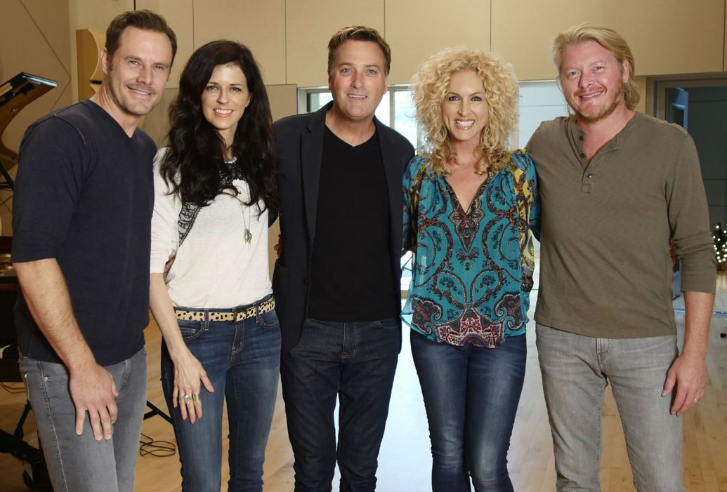 Carrie underwood joins michael w smith for christmas