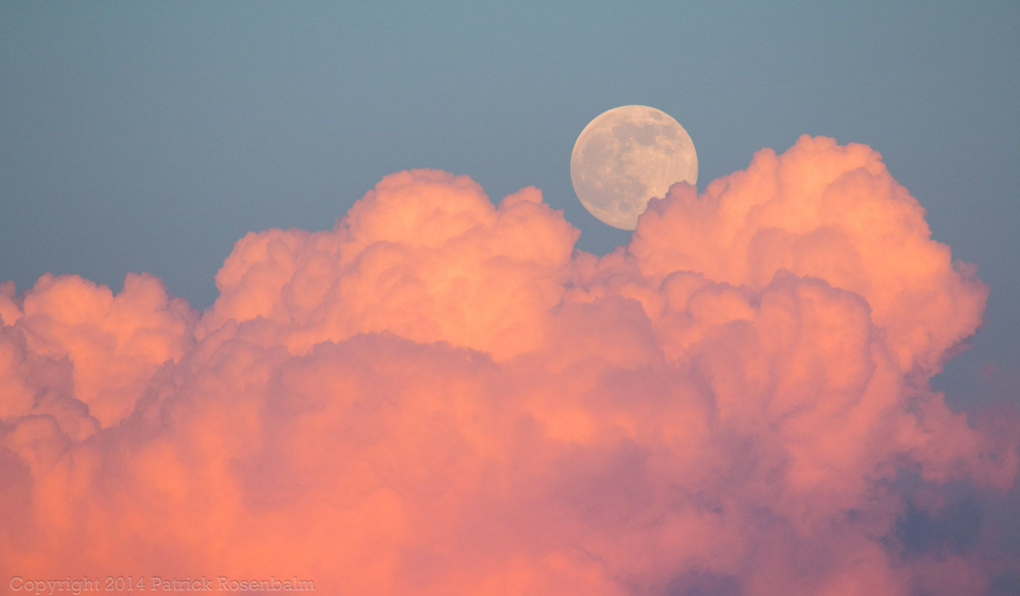 Super Moon And Clouds In 2020 Aesthetic Desktop Wallpaper Desktop Wallpaper Art Sky Aesthetic