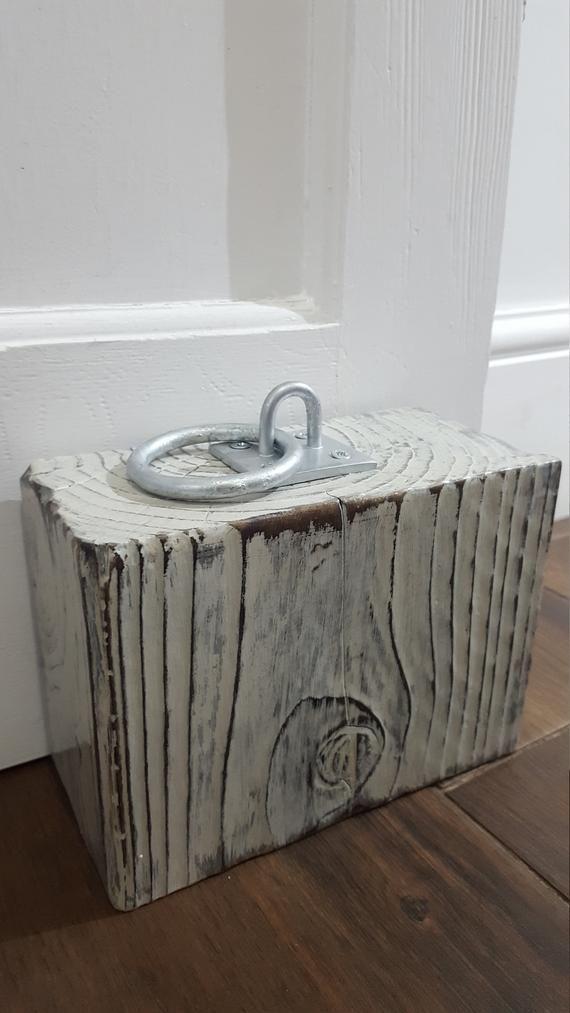 Photo of Dørstopp av tre ~ Chunky ~ Rustikk ~ Shabby Chic ~ Shou Sugi Ban Inspired ~ gjenvunnet brent tømmer ~