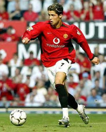 Ronaldo Est La Captaine De L Equipe Nationale De Football Du