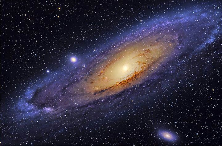 Andromeda Galaxy The Closest Galaxy To Earth It Is Calculated That Is Will Collide With The Milky Way Is About 4 Billion Years Andromeda Galaxy Cosmos Galaxy
