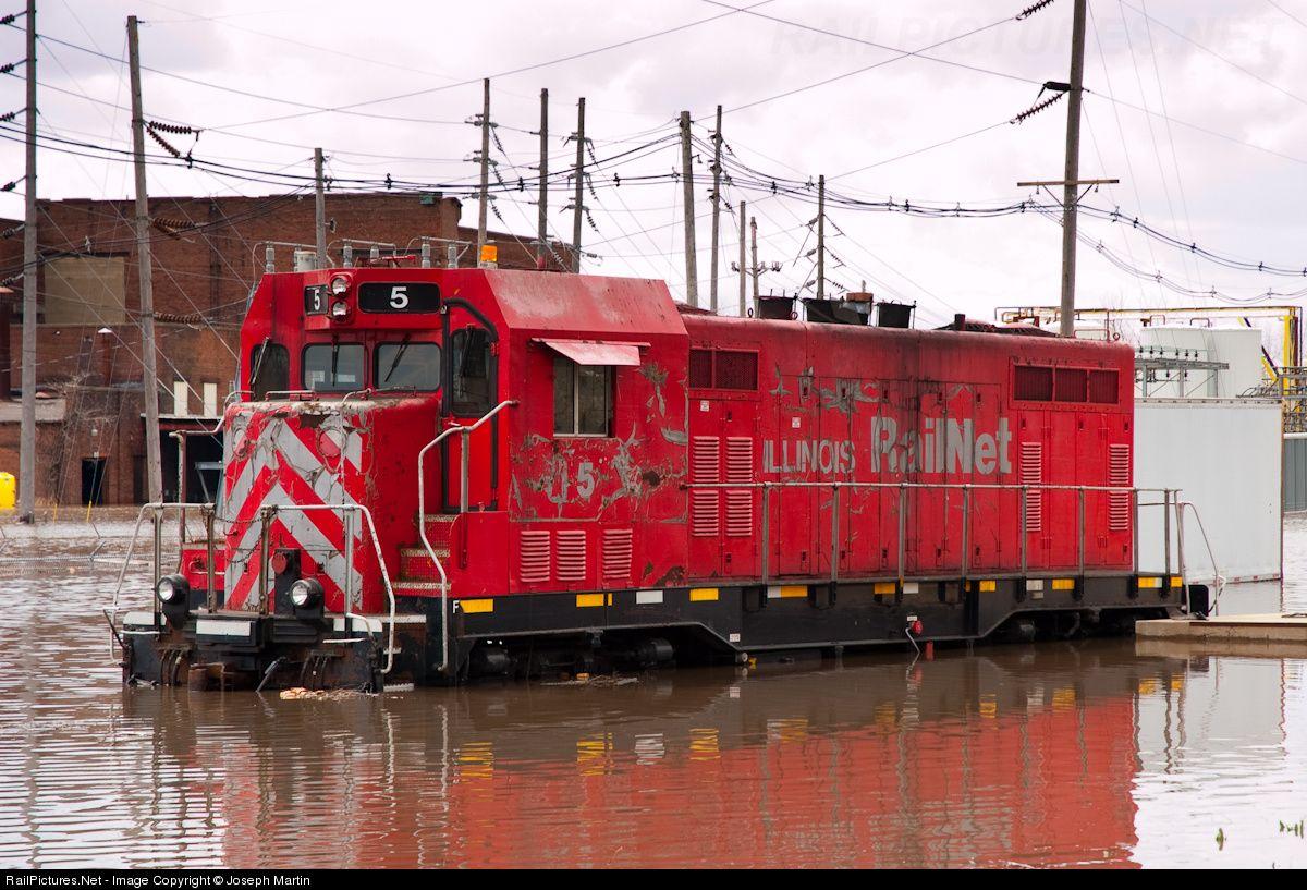 Photo IR 5 Illinois Railway ATSF CF7 at