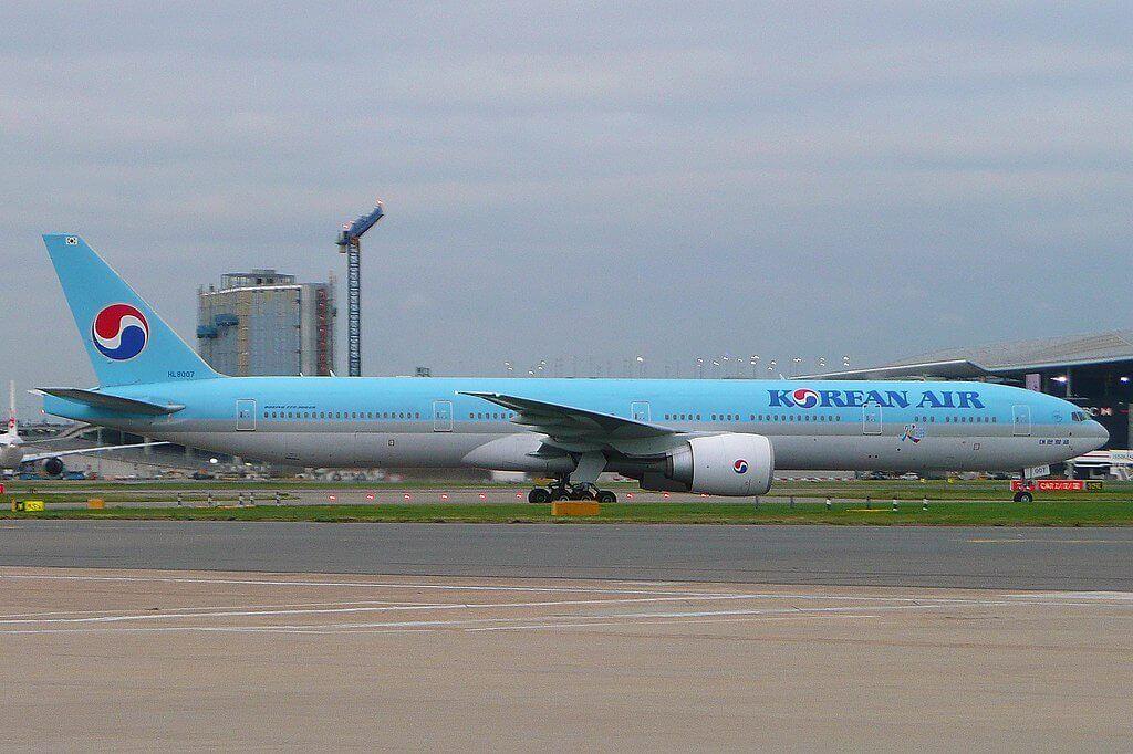Boeing 777 3B5ER Korean Air HL8007 at London Heathrow
