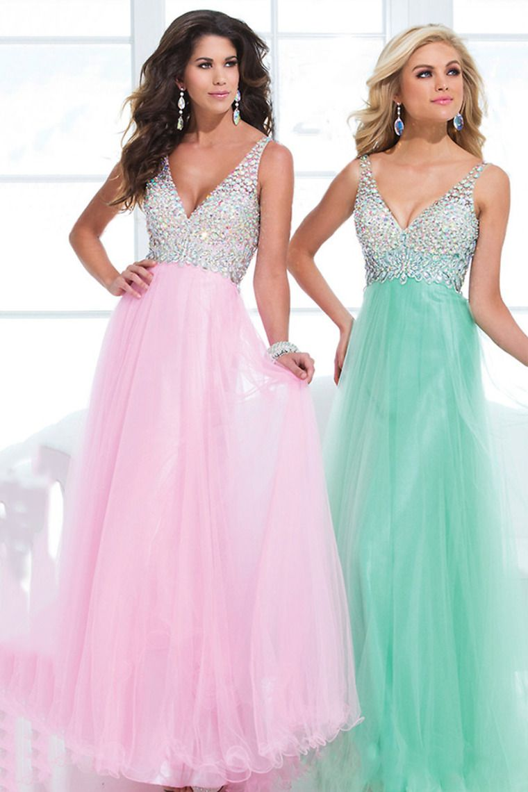Would you ever match dresses with your bestie?! Do you see it as a ...