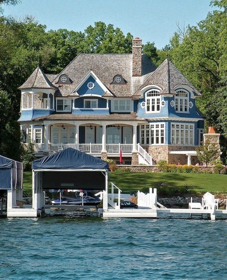 Loft Housedesign: 33 Lovely Lake House Exterior Design Ideas 33 #lakehouse
