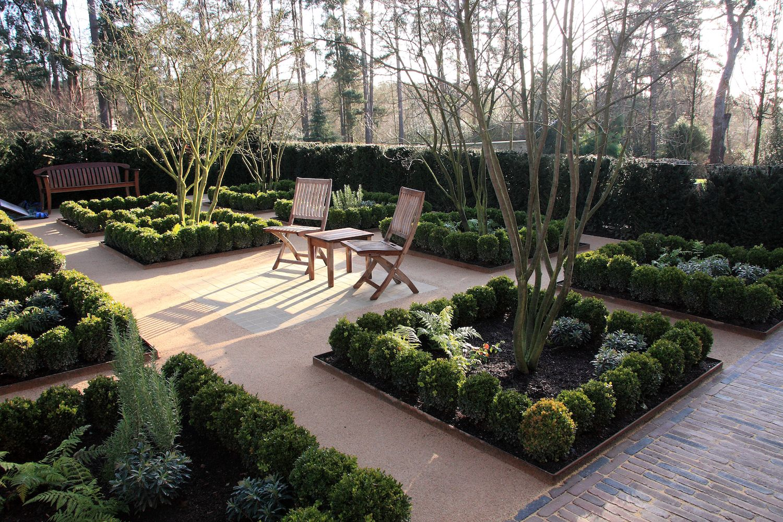 Garden Paving In Farnham Surrey Garden Paving Garden Patio Furniture Garden Swing