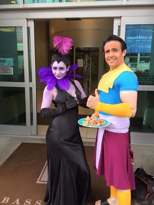 denver comicon yzma and kronk cosplay kronk yzma costume