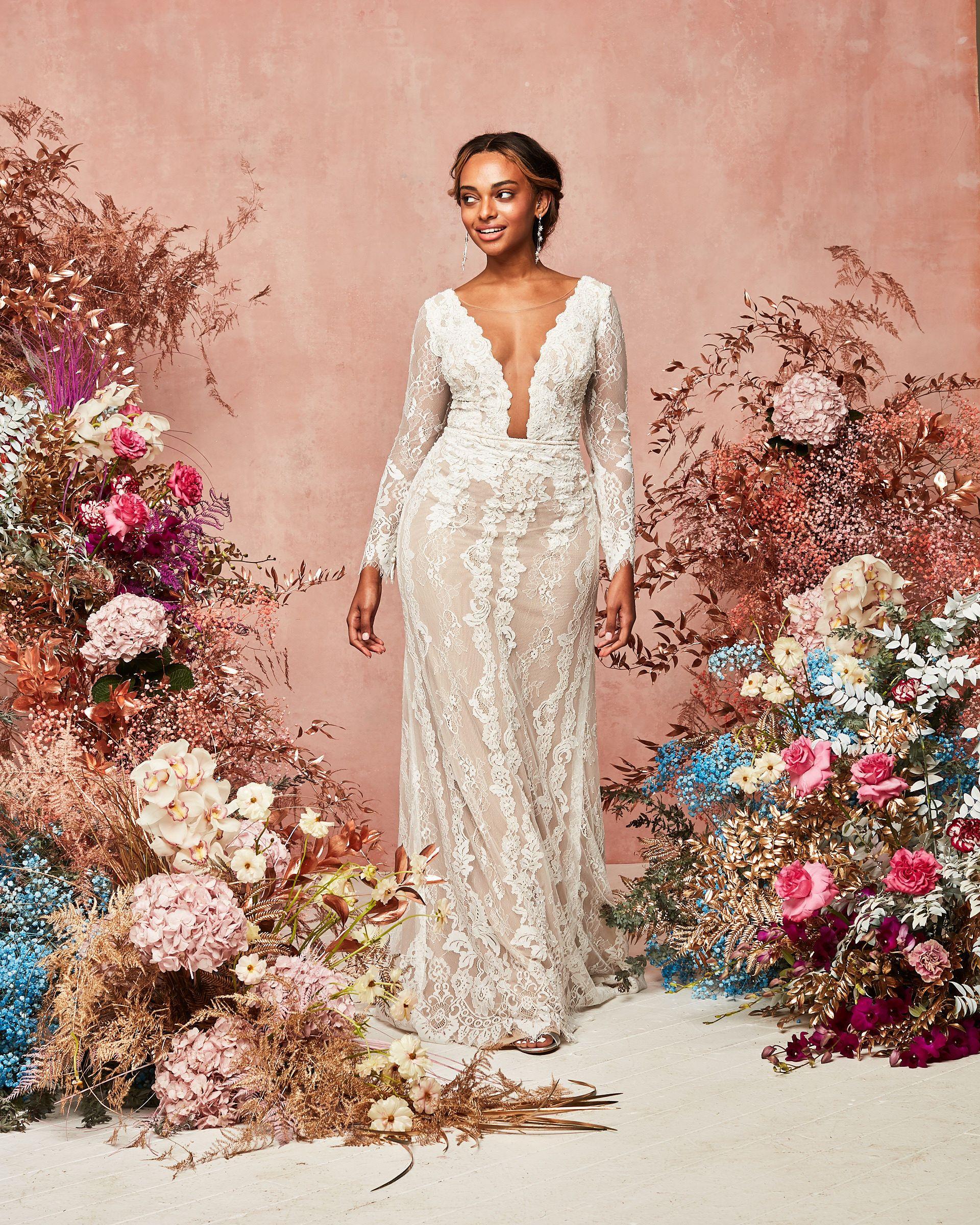 Illusion Plunge Long Sleeve Lace Wedding Dress David S Bridal In 2021 Davids Bridal Wedding Dresses Long Sleeve Wedding Dress Lace Wedding Dresses Lace [ 2400 x 1920 Pixel ]