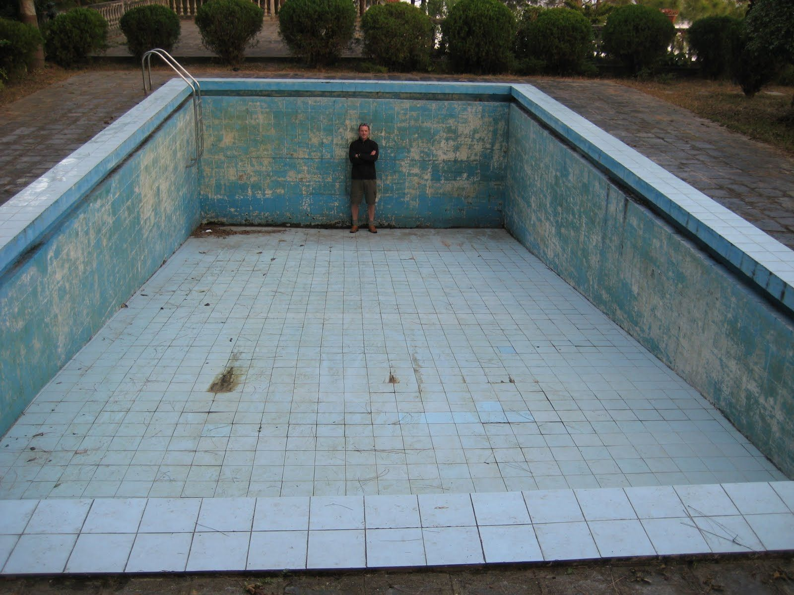 empty pool google keres s pool pinterest empty abandoned places and abandoned