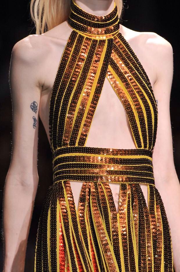 +++ Givenchy + Spring/Summer 2014 Collection by Riccardo Tisci +++ @isazaalejandro www.facebook.com/fashionISAZA #fashion #moda #verano2014 #fashionweek #paris #RiccardoTisci #Tisci #pfw #ss2014 #spring2014 #summer2014