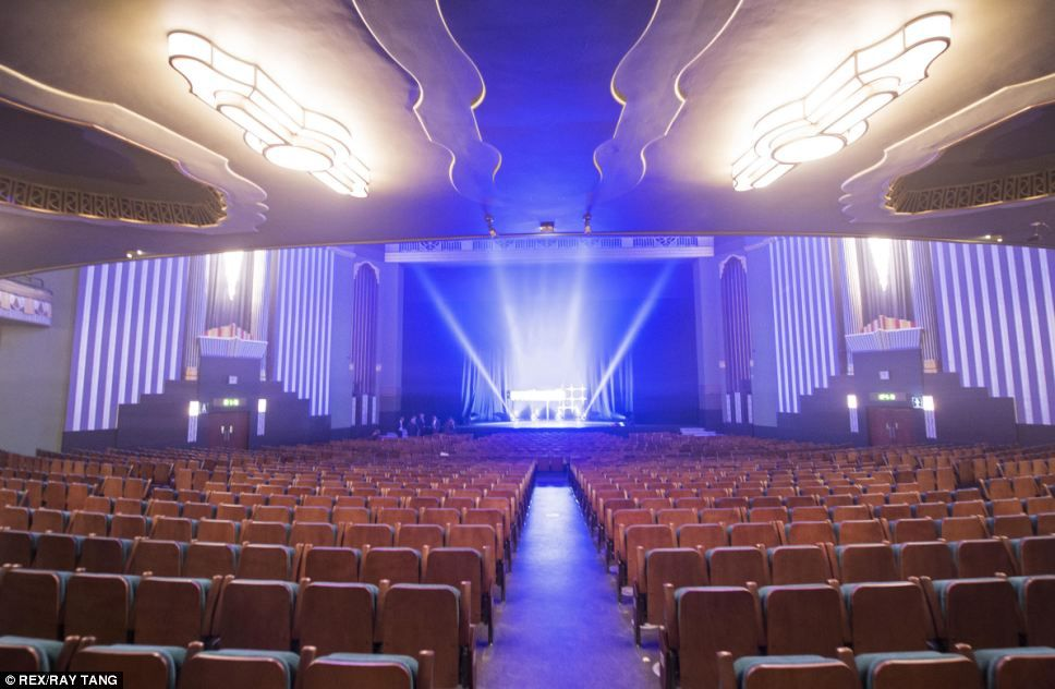 Back to its former glory Hammersmith Apollo opens its doors after a £5million refit that has restored original art deco designs & Back to its former glory: Hammersmith Apollo opens its doors after ...