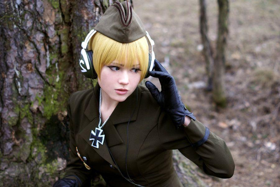 Fem Germany II by angriberen.deviantart.com on @deviantART - Nyotalia cosplay