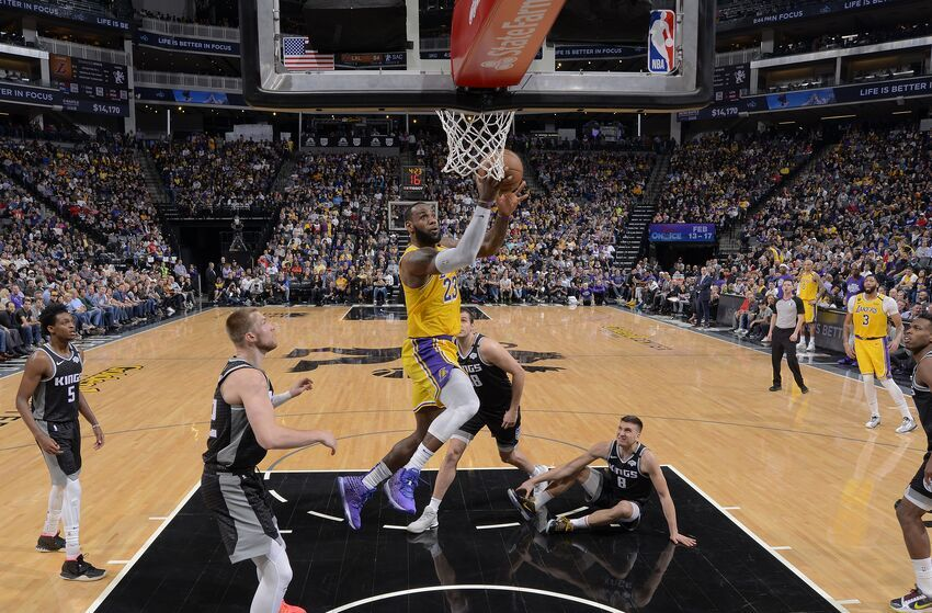 Los Angeles Lakers 4 Lessons From Win Against Sacramento Kings In 2020 Sacramento Kings Los Angeles Lakers Lakers Team