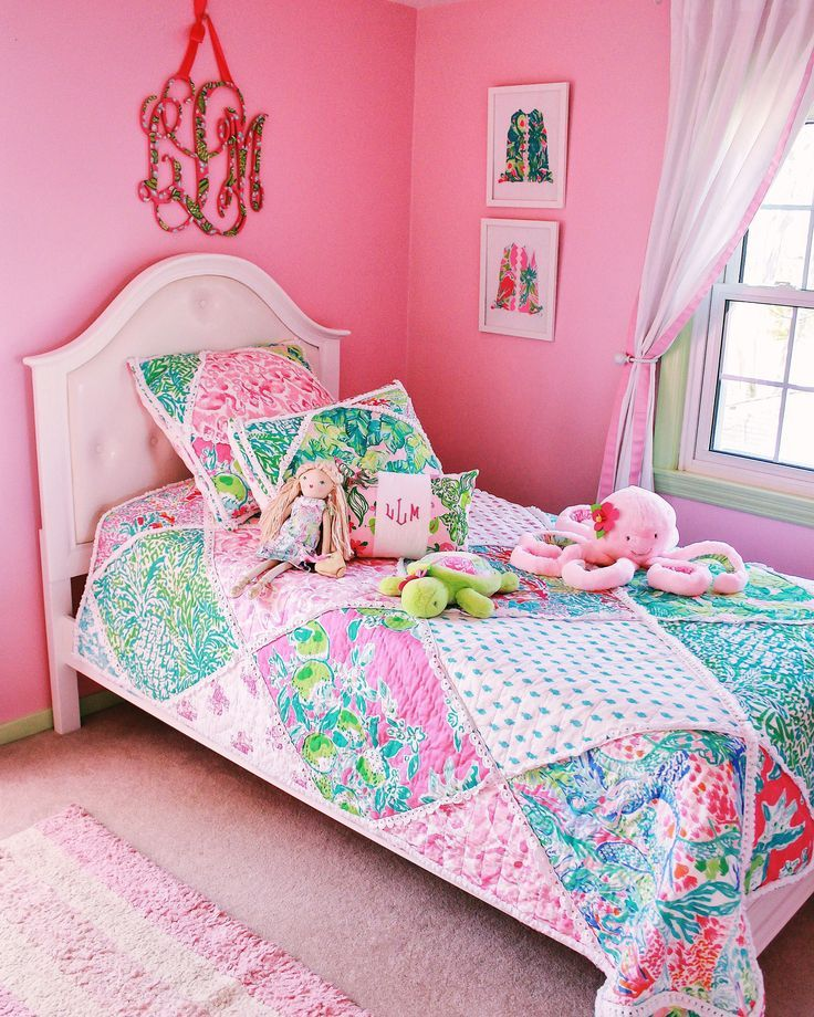 Lilly Pulitzer Exclusively For Pottery Barn Pottery Kids: Lilly Pulitzer For Pottery Barn Kids Collection (With