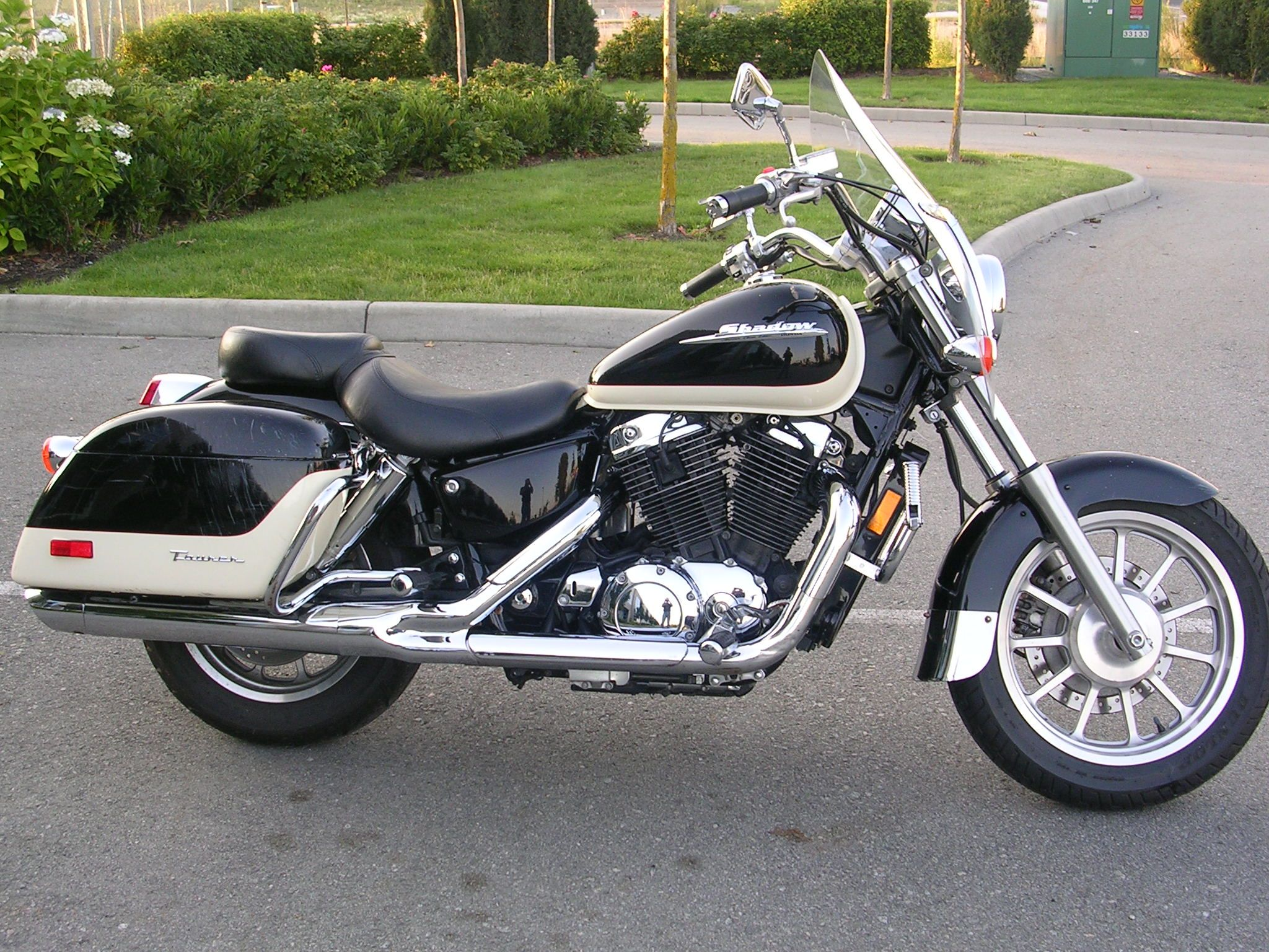 medium resolution of honda shadow 1100 touring edition the honda shadow a merican c lassic e dition tourer model vt1100t
