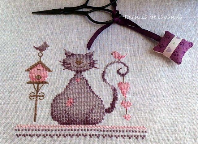 Va de gatos¡¡ ~ Esencia de Lavanda. Punto de cruz y otras labores