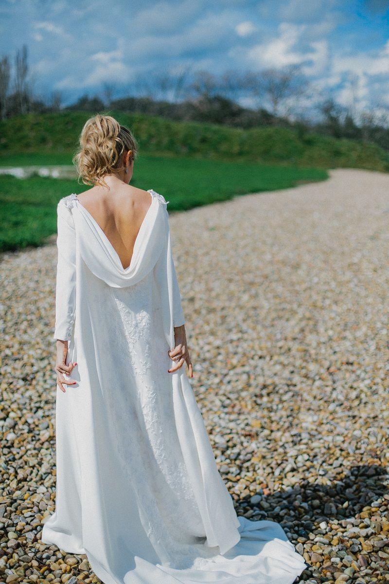 Vestido de novia con capa | Boda | Pinterest | Vestidos de novia ...