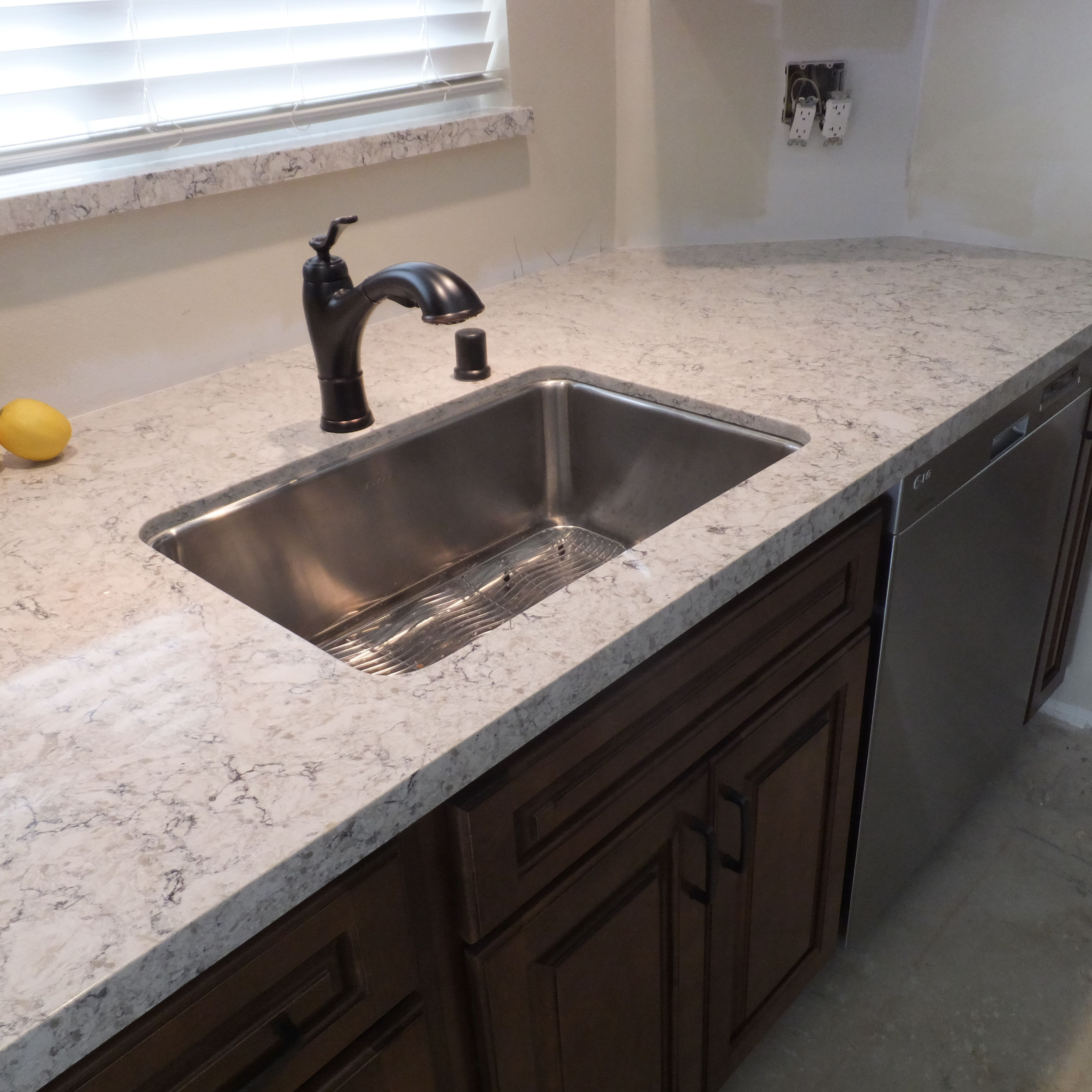 LG Viatera Quartz Aria - Clean Cut Stone, West Hills CA   Kitchen ...