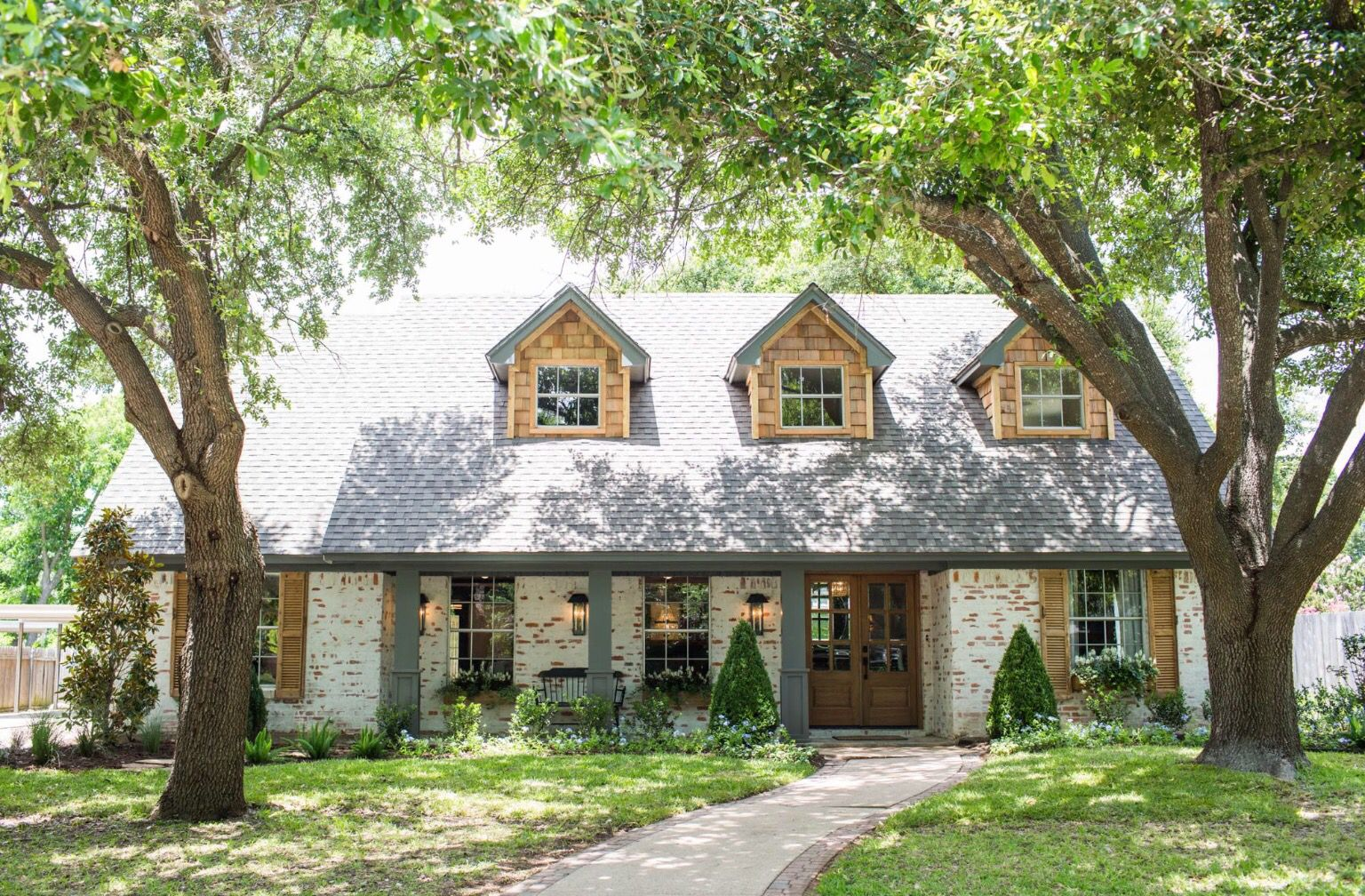 Love You His Brick And Plaster Effect German Smear House Exterior Fixer Upper Hgtv Fixer Upper