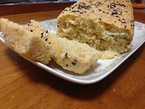 Procurando receita de pão caseiro sem glúten e lactose? Vem ver essa! Delicioso, super macio e saboroso. Ninguém vai dizer que é pão sem glúten e sem leite