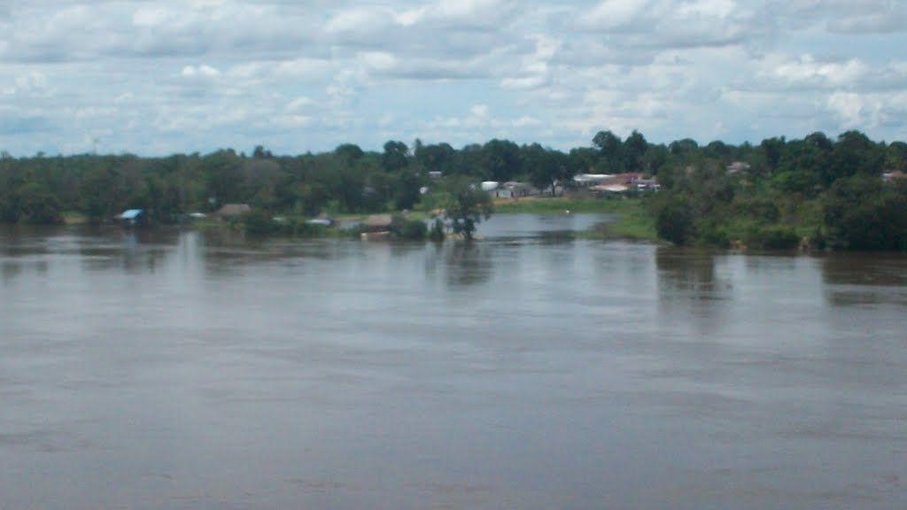Bolívar, municipio Sucre, Río Caura cerca de Maripa.