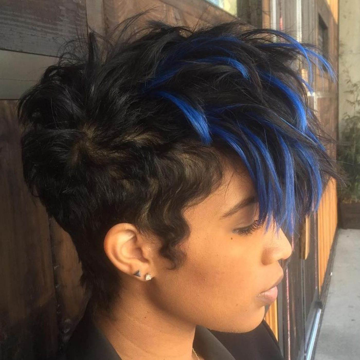 Short black hairstyle with blue highlights