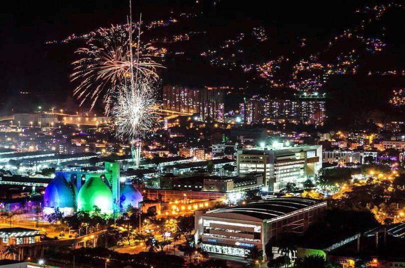 Medellin, Centro de purificación de aguas del río, Navidad