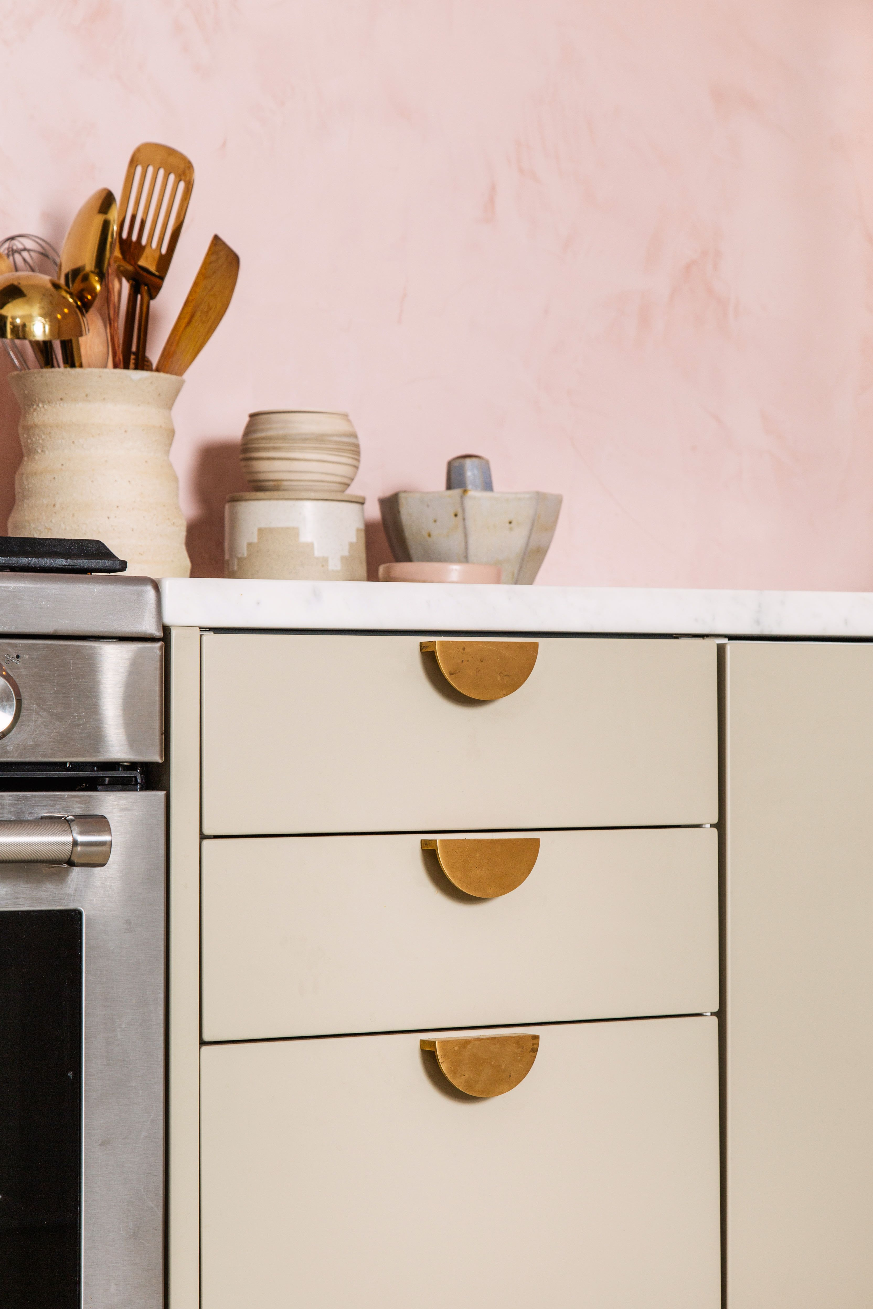 Tour Food Blogger and Stylist Alison Wu's Dreamy, Pink ...