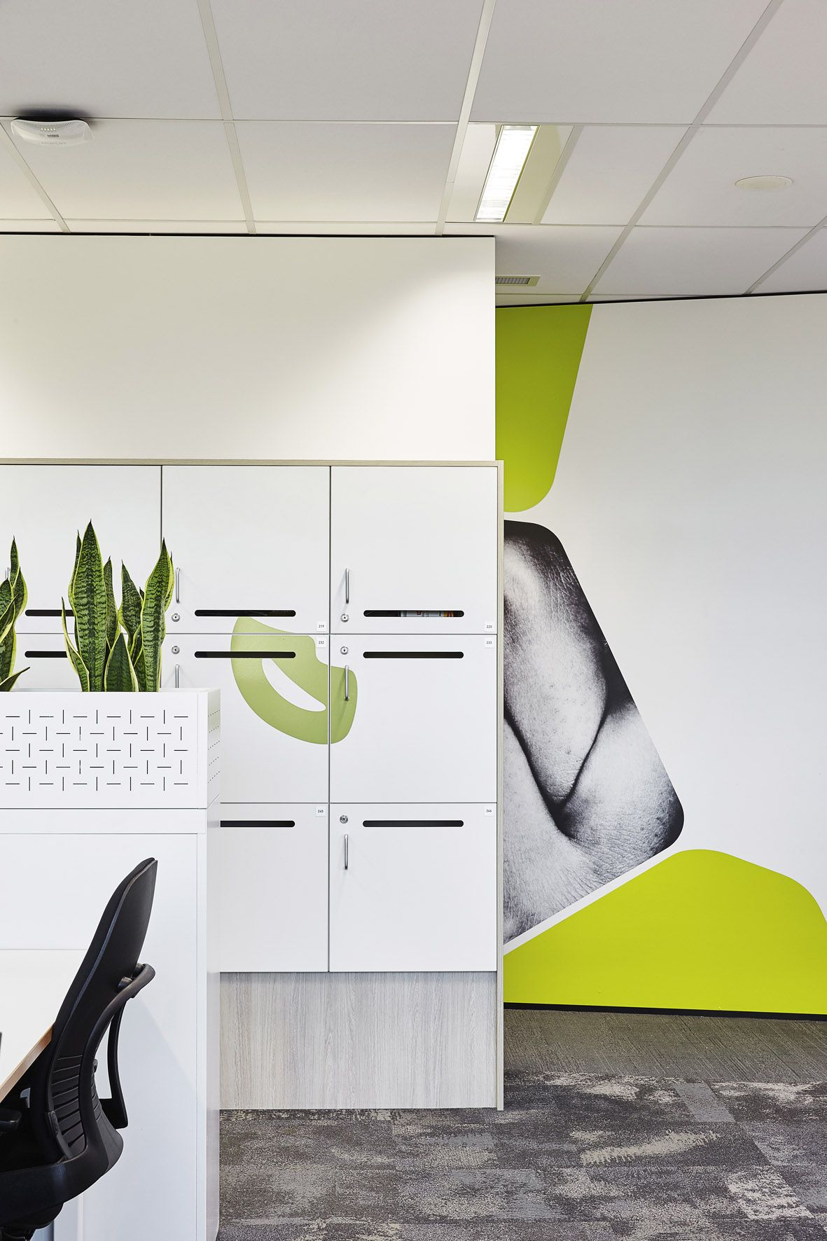 Unilever Nr Workplace Steelcase Workstations, Csm Storage And Lockers Design