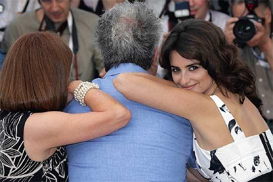 Carmen Maura, Pedro Almodovar y Penélope Cruz en Cannes