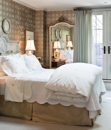 Photo gallery soft feminine rooms bedrooms house and for Michelles bedroom galleries