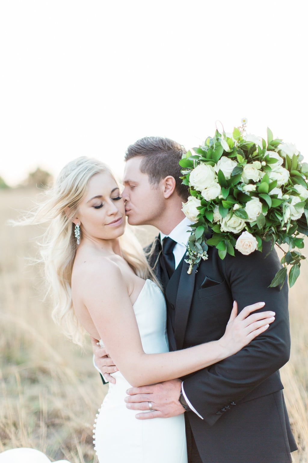 Modern Romantic Wedding at White Light by Grace Studios Photography | SouthBound Bride